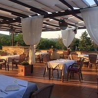 La nostra Sala colazioni e la nostra terrazza all'aperto