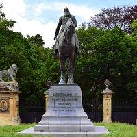 Bruxelles. Place du Trône. Statue équestre de Léopold II