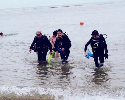 Eğitmenlerimiz çok ilgiliydi, deniz altı yaşamı görmemizde bize yardımcı oldukları için çok teşekkür ediyoruz.