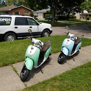 """The classic """"Vespa"""" look from the front."""