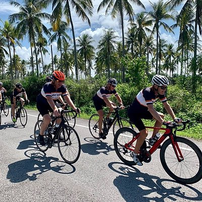 Enjoy our guided (private or join) 10 days bicycle tours from Bangkok all the way south to Phuket
