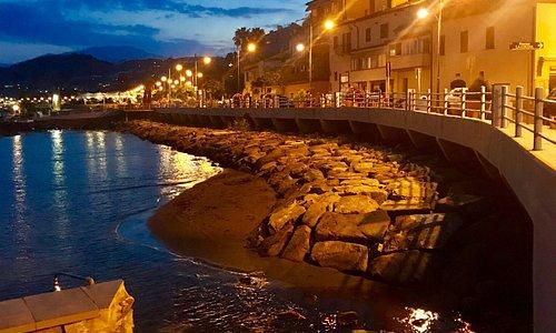 scorci dell' hotel e di Santo Stefano al mare