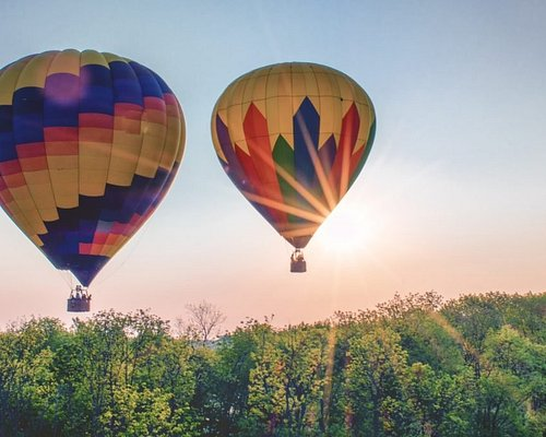 Hot air balloon rides are one of the most unique ways to tour the Philadelphia area.