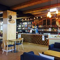 In fact, book lovers are familiar with Arvin Coffee&Book which is located on the 3rd floor of the building. This cozy coffee shop serves up a reasonably priced coffee and wide varieties of beverages  as well as yummy cookies and cakes.