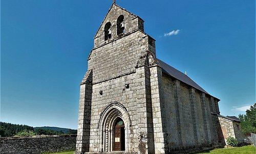 Une église rurale classée, ancien site Casadéen du 12ème siècle et fort bien conservée