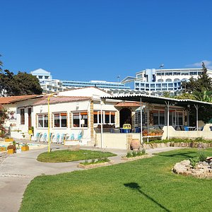 We are located next to the Atrium Platinum and Cosmopolitan Zeus hotels in Ixia, 3,4 km from Rhodes town