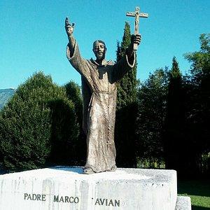 Monumento a Carlo Cristofori o Padre Marco di Aviano