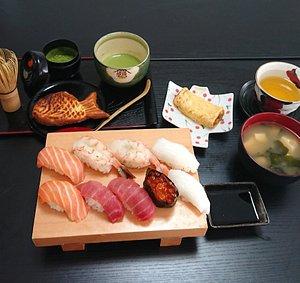 Sushi lesson menu. 2 kind of sushi,Japanese omelet,Miso soup,Green tea,fish shaped waffle,Matcha(tea ceremony)