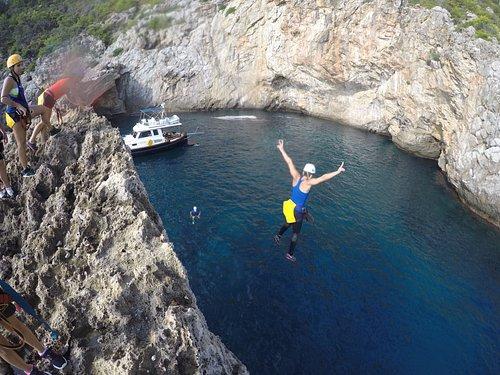 Coastering Adventure Tour - Jumping