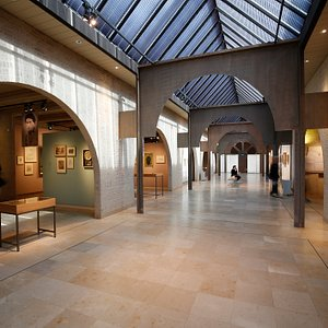 De centrale hal van ons mooie museum