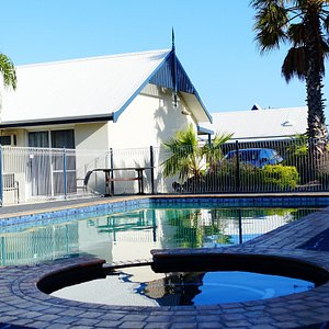 Outdoor Heated Swimming Pool & Hot Tub