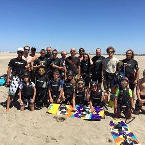 Groupe stagiaires sur le spot de la plage de l'Espiguette
