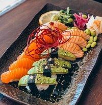 @Sushi Nigiri 14pc Lax/Avocado
