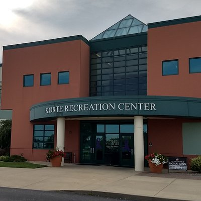 Front entrance of Korte Recreation Center in Highland, IL
