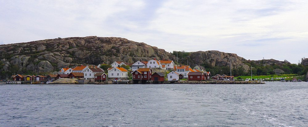 Somewhere in Sotenäs. The coast is dotted with small, idyllic places like this.