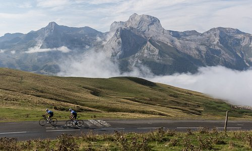 Cycling vacation in the Pyrenees