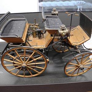 Ein Kutschwagen mit Motor