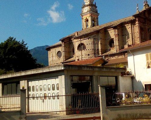 Fianco sinistro e campanile della Chiesa di S. Caterina d'Alessandria del Ponte a Garessio, vista dal viale della Stazione
