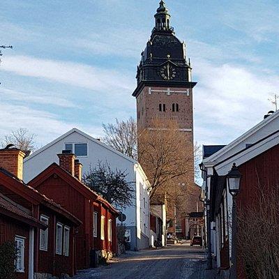 Kyrkan synlig över hela staden, här en vy från Gyllenhjelmsgatsn