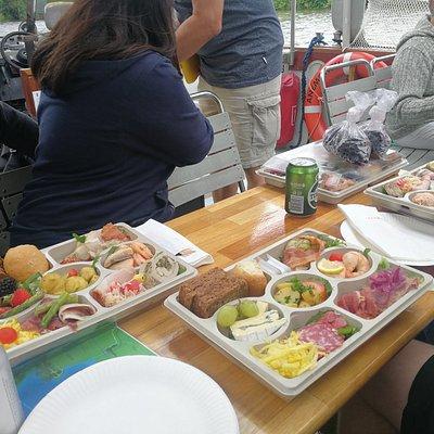 Lækker mad - laktosefri til venstre, almindelig i midten og glutenfri til højre