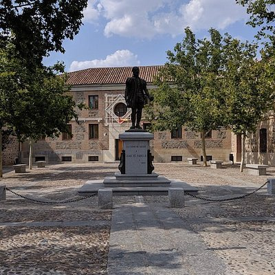 Monumento a Juan de Padilla
