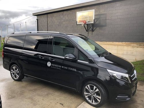 Experience a luxury wine tour in our Mercedes Benz V250