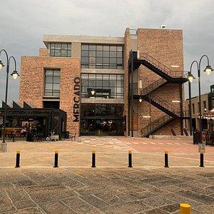 Plaza del Árbol y Entrada al Mercado San Roque Distrito Local