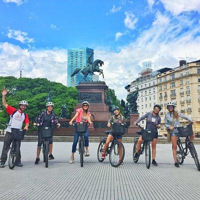 Monumento al General San Martín - Meeting Point