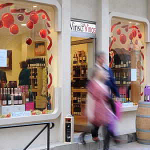 Vines et Vinos Carcassonne Wine Shop where we start and finish our private tours.