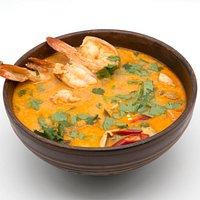 Том Ям - традиционный тайский суп с креветками.