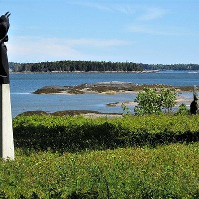 Gull Rock & raven sculpture.