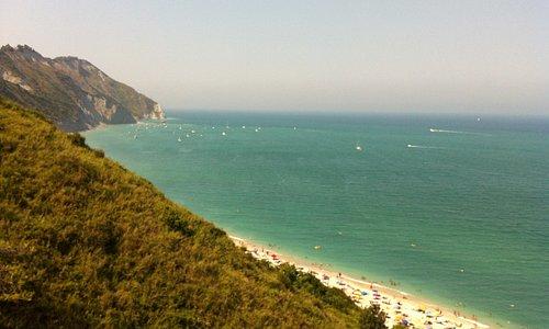 Spiaggia di Mezzavalle.