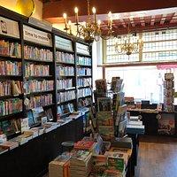 H De. Vries Bookstore in Haarlem (7)