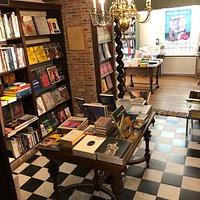 H De. Vries Bookstore in Haarlem (3)