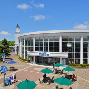 With about 140 shops,restaurants,and cafes. Rera is Hokkaido's largest-scale outlet mall.