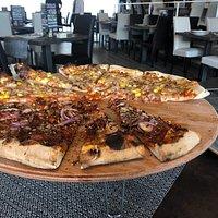 Pizza ottima, personale disponibile e simpatico. Ottima esperienza, consiglio!