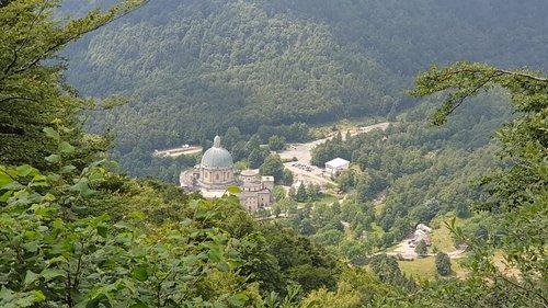 Vista del santuario di Oropa