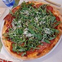 pizza bresaola rucola