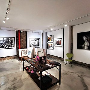 Fine choice of oil paintings, prints, sculptures and drawings.