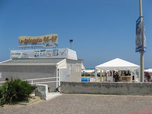 Una veduta della spiaggia 46-47