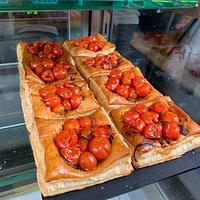 Tomato Pastry