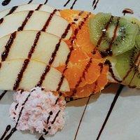 Milhojas de hojaldre, crema pastelera y frutas