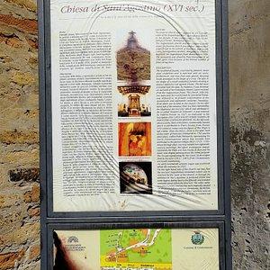 Interessante locandina con le info sul luogo.