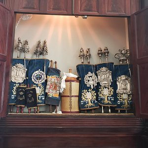 A look inside the synagogue