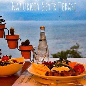 Sapanca gölünün mükemmel manzarasında keyifli bir yemek için sizleri Seyir Terasımıza bekliyoruz!