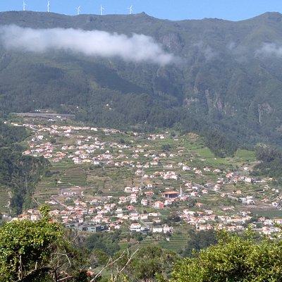 Vista do Vale de São Vicente a partir da Rota da Cal.