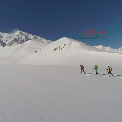 Ski Touring Gole-Zard summit and acclimatization in 3600 - 3800 m altitude. Overnight in local guest house in Lasem or Polur with traditional Iranian dish to get ready for climbing Damavand summit with 5610m altitude.