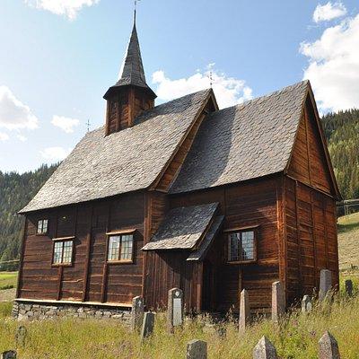 Lomen stavkyrkje