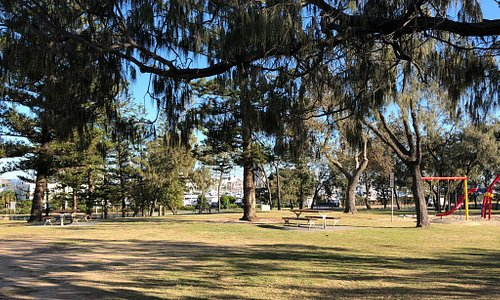 Hollindale Park