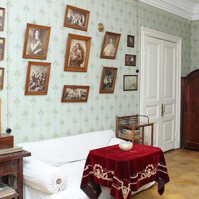 Гостиная, в которой К. А. Тимирязев принимал гостей